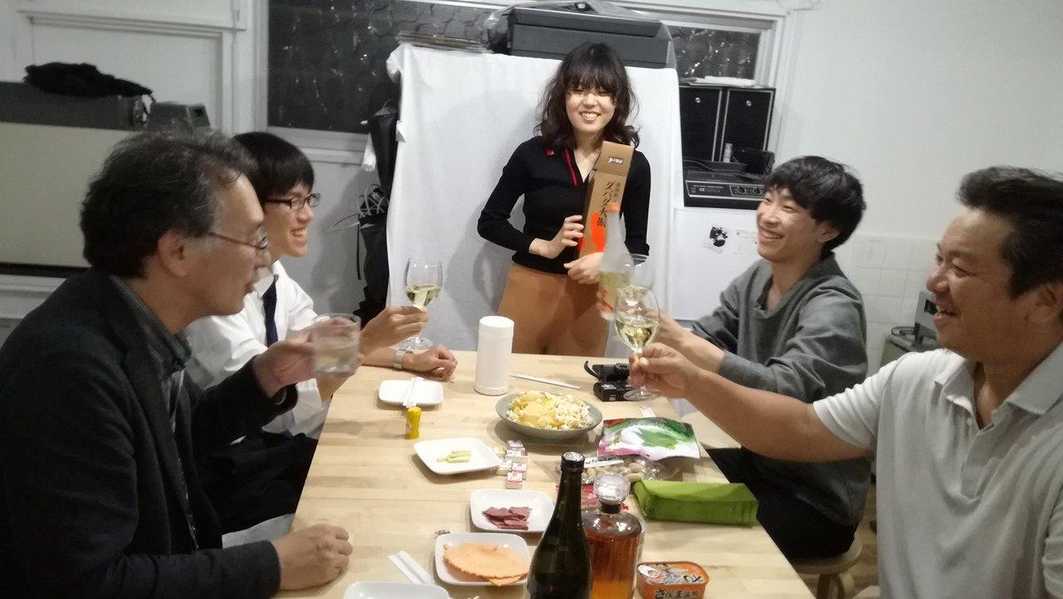 やってまーす笑  #写真飲み会 #大阪 #リヴィエール #大阪 #フィルムカメラ #暗室 #フィルム
