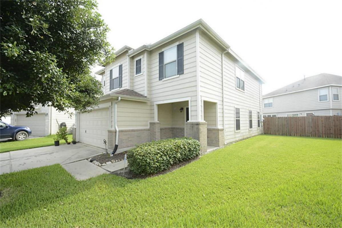 See what this home has to offer! Contact me for a showing today. #homesforsale #realestate   http:// cpix.me/l/32289537  &nbsp;  <br>http://pic.twitter.com/YCaX1yxeu0