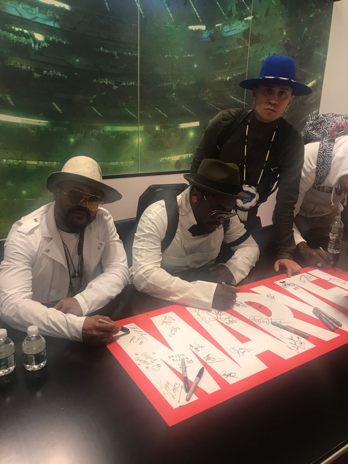 We're at the @Marvel booth now!! Drop by to get your copies of #MastersOfTheSun signed #NYCC https://t.co/Vt4Q8jcgME