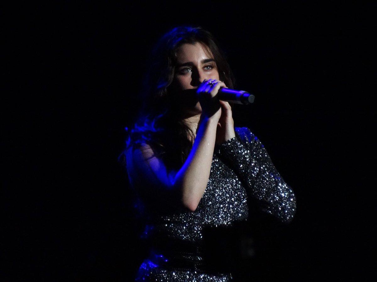 #PHOTO | Lauren on stage last night (via @micostatb) #PSATourSP https://t.co/mBRxHEM280