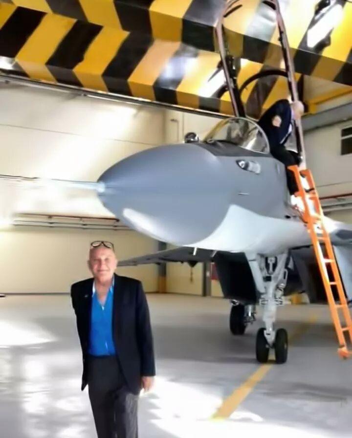 "50 مقاتلة من طراز ""ميغ-29"" إلى مصر DLowic-XkAE3c41"