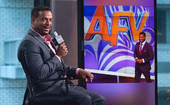 OH MY GOD GUYS, CARLTON BANKS HOSTS AMERICA'S FUNNIEST HOME VIDEOS NOW.
