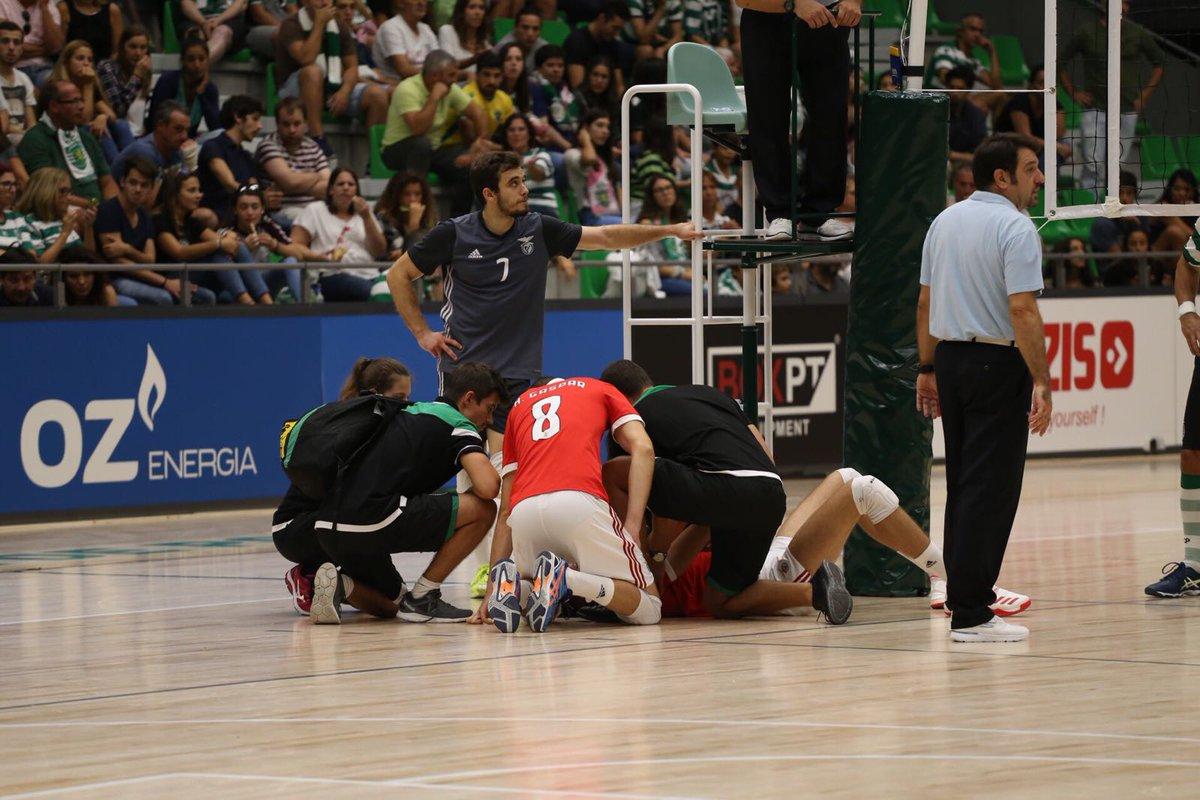 O SL Benfica agradece a Miguel Costa, médico do Sporting, pela ajuda prestada na assistência ao voleibolista Ary Neto, no jogo de hoje.