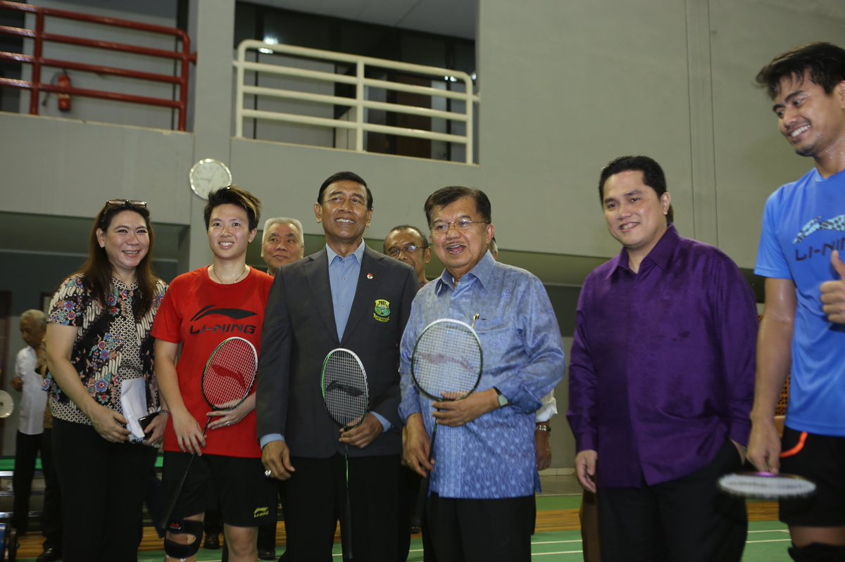Asian Games  On Twitter Tuesday  Indonesian Badminton Athletes Were Thrilled As Pak_jk Took Some Time To Visit Them At Pelatnas Cipayung
