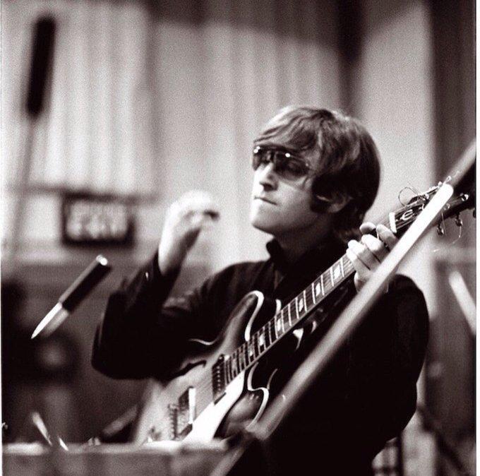Happy Birthday John Lennon.  1940.10.9 1980.12.8