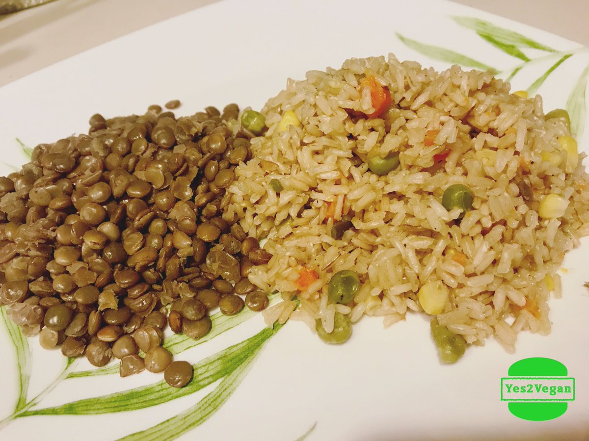 Simple clean &amp; quick #deliciousMeal. #lentils serves as #Protein and the #brownrice w #vegetables is just so yumm!!  #NoMeat #Nodairy<br>http://pic.twitter.com/uN4e95yGhB
