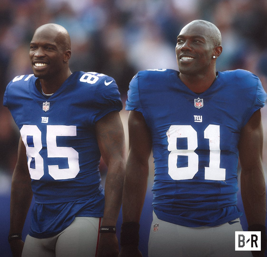 Ochocinco and T.O. reached out to the Giants on Twitter today after 4 WRs were injured 👀