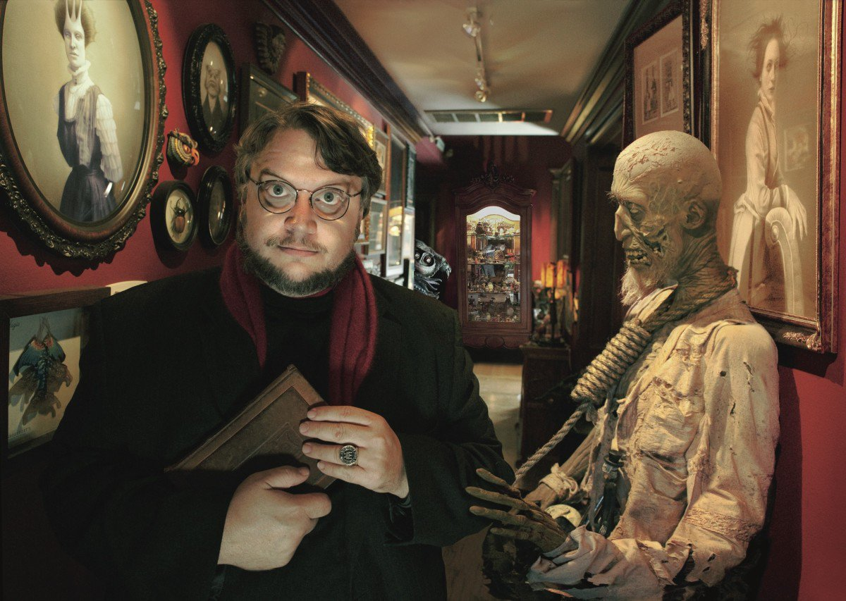 A huge happy birthday to the beloved Guillermo del Toro ( who turns 53 today. Many happy returns, sir!