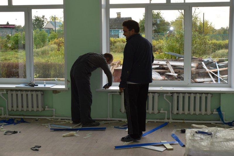 Николай Терехов проконтролировал ход ремонтных работ в центре образования №30