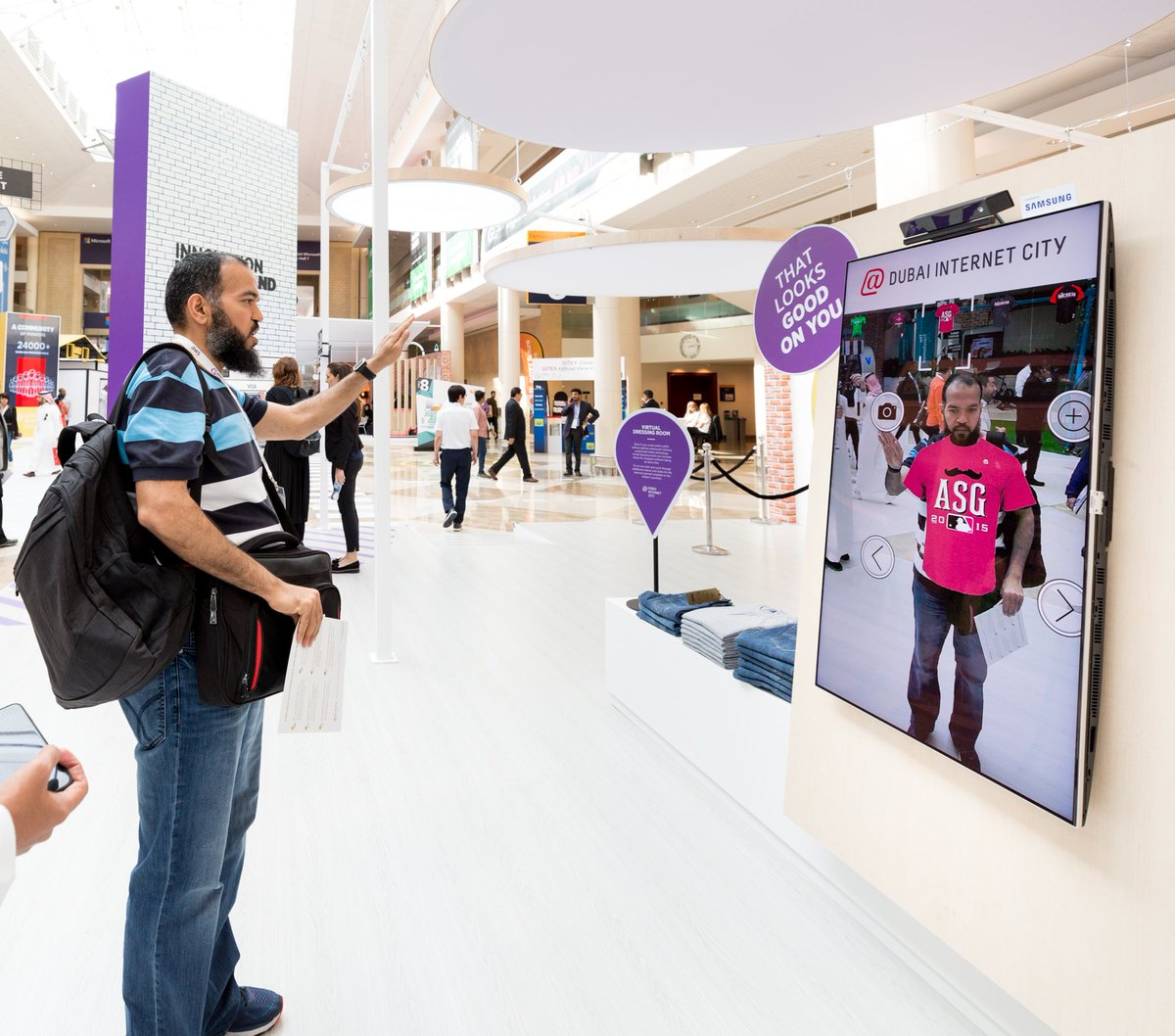 Dubai internet city on twitter 4 more days left to experience dubai internet city on twitter 4 more days left to experience thesmarterjourney at gitextechweek visit dic at concourse 2 try cutting edge tech for solutioingenieria Choice Image