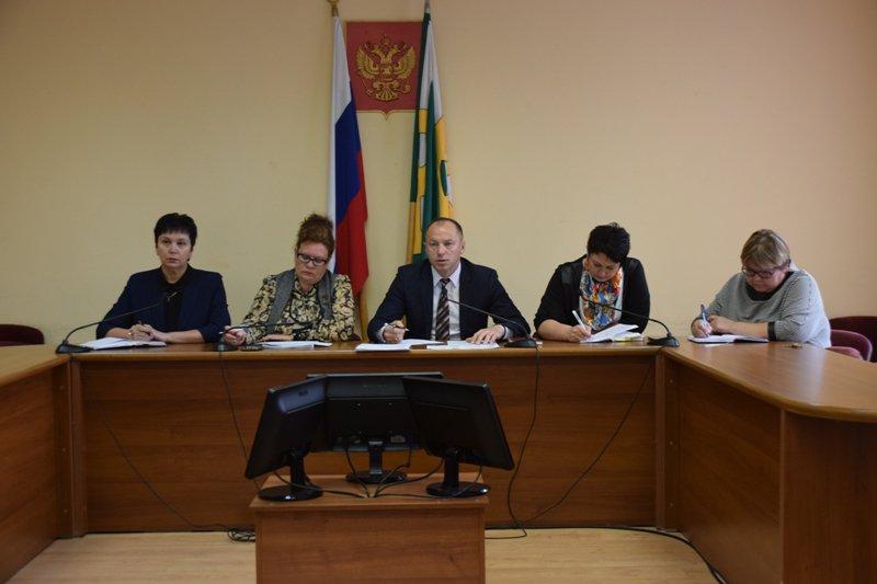 Еженедельное оперативное совещание провёл Николай Терехов