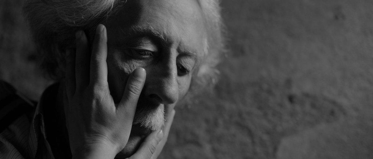 RT @cinemathequefr Jean Rochefort... Énorme chagrin et souvenir éternel de la + belle moustache du cinéma français [photo L'Artiste et son modèle de F. Trueba]