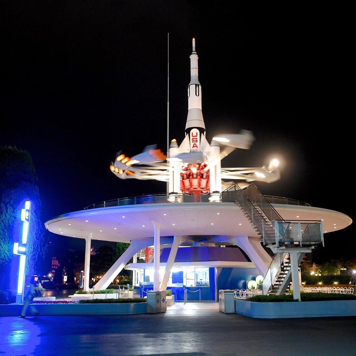 東京ディズニーランド「スタージェット」は明日10月10日でクローズ約34年間のフライトを終了しますdlove.jp/mezzomiki/ pic.twitter.com/7SHCScLaLZ