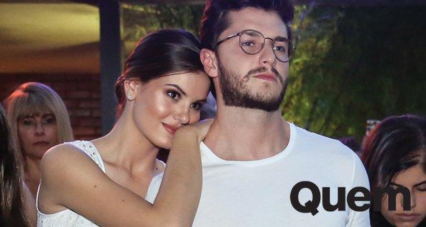 Camila Queiroz e Klebber Toledo curtem festa coladinhos https://t.co/0xB9ZIkkx3
