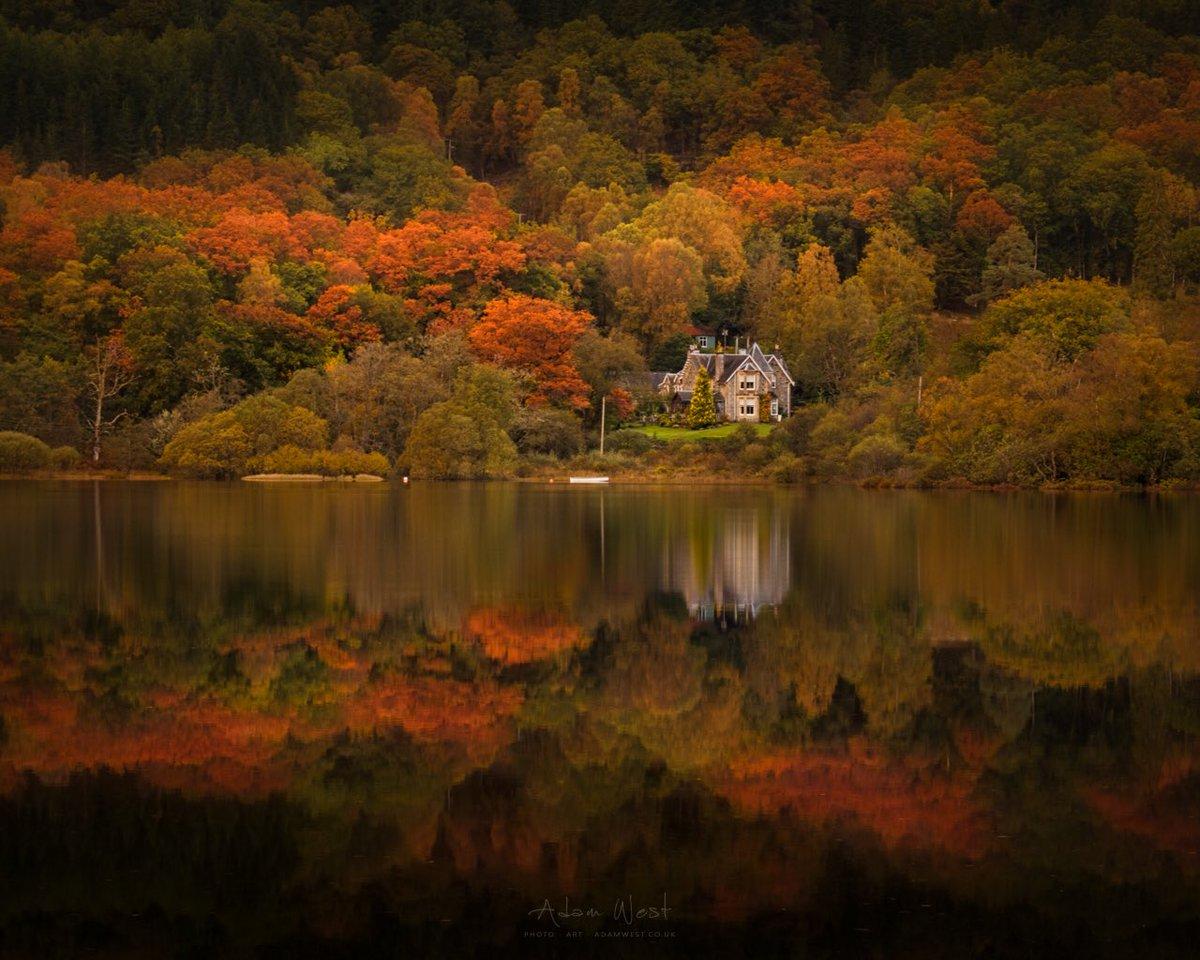 Autumn colours surround Glenbruach House on Loch Achray  #scotland @VisitScotland @lomondtrossachs <br>http://pic.twitter.com/WD8a1y1cDR @adamwestphoto