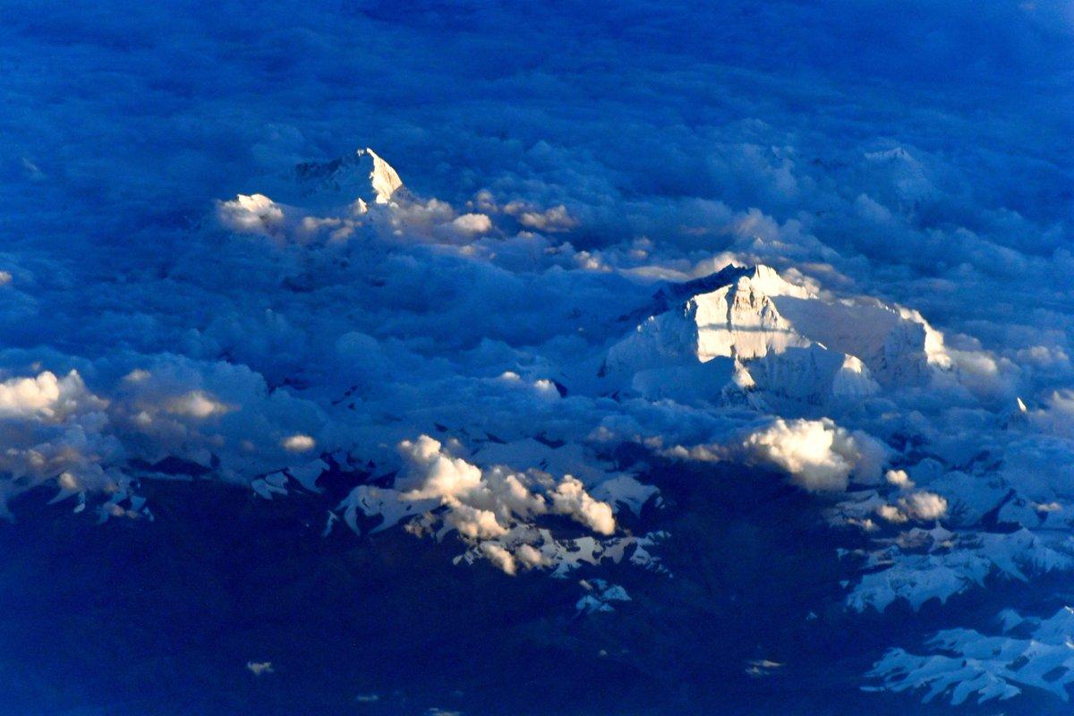 Эверест больше не самая высокая гора на Земле - Вокруг Света | 800x1200