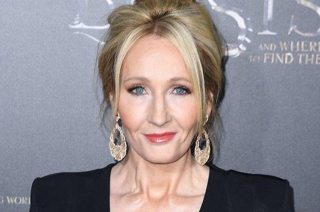J.K. Rowling Just Roasted Donald Trump On Twitter Again #rowling #roasted #donald #trump #twitter #again  http:// dlvr.it/PtQdNz  &nbsp;  <br>http://pic.twitter.com/oItjvXwXwj