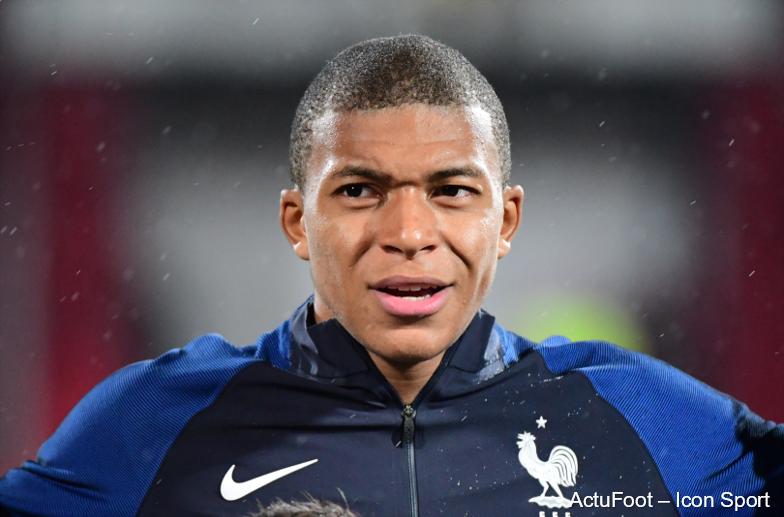 RECORD ! Kylian Mbappé devient le plus jeune joueur de l'Histoire à être nommé pour le Ballon d'Or ! 🇫🇷