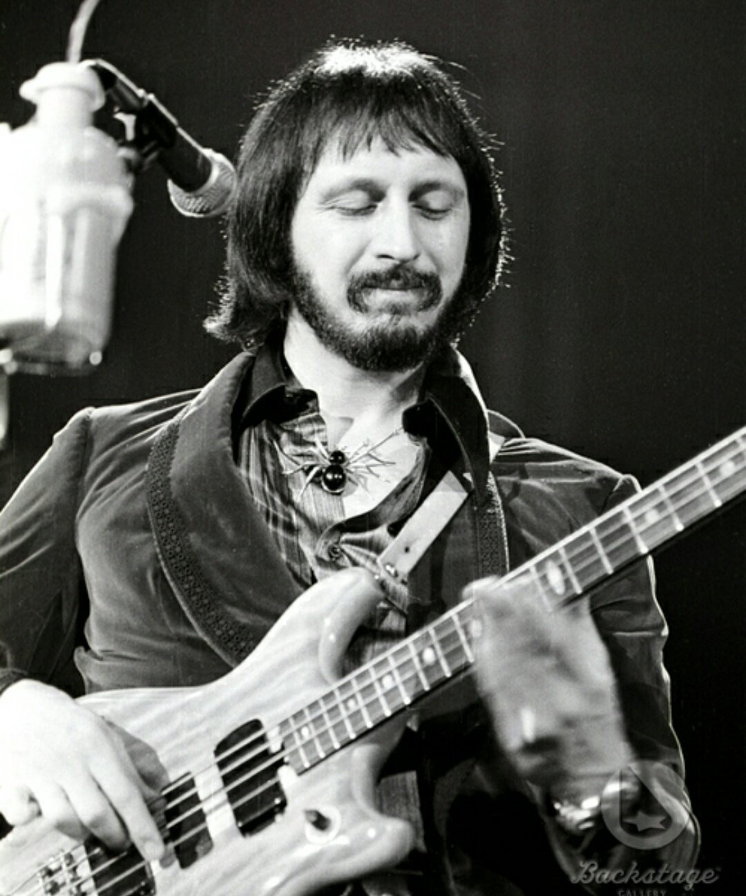 Also happy birthday to John Entwistle! One of the greatest bassists of all time. He would\ve turned 73 today