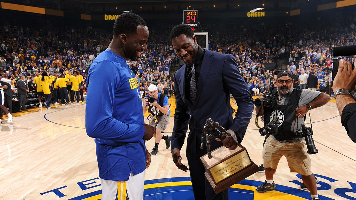 Why did Ben Wallace surprise @Money23Green at his DPOY trophy presentation? The story goes back a long ways…  » https://t.co/CS4u0Ih95O