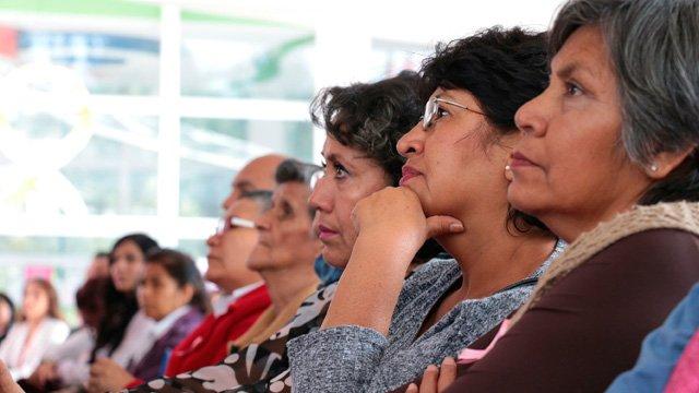 Tinta Esperanza, devolviendo la confianza a mujeres con cáncer https://t.co/FP31a1EQV4 https://t.co/MB0NgXCyiR