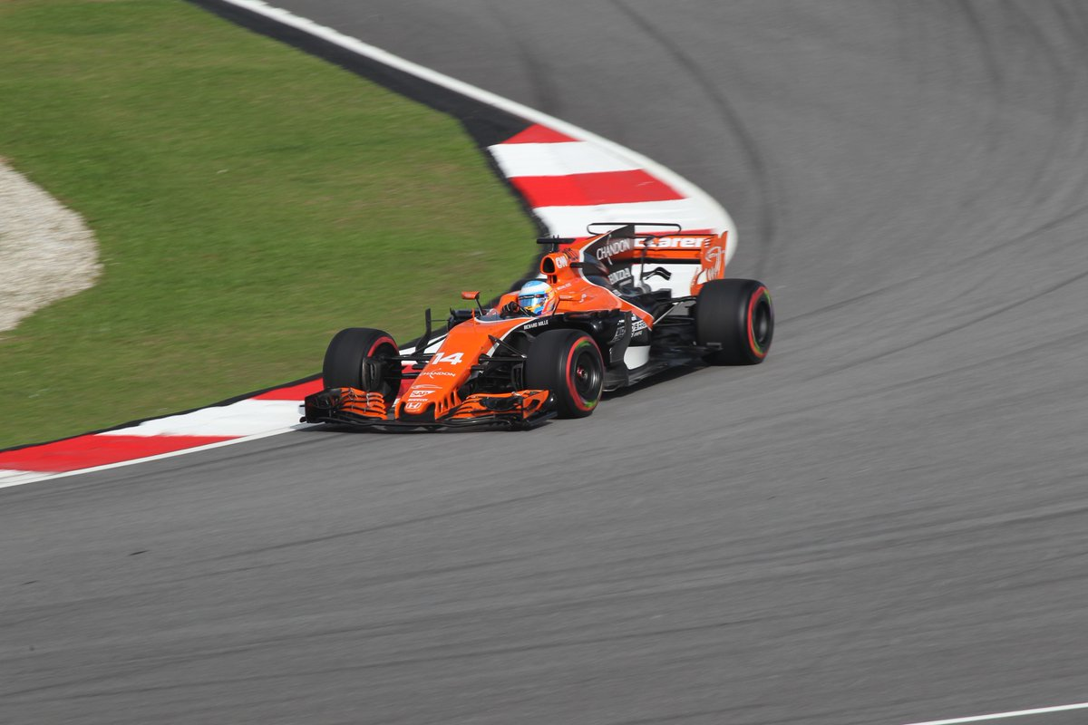 LOVE these two photo&#39;s that I was given of @svandoorne &amp; @alo_oficial at the #MalaysianGP <br>http://pic.twitter.com/JldCW0bYcT