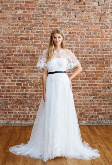 Check out the trends that were shown during #BridalFashionWeek     http:// bit.ly/2ybH61E  &nbsp;  <br>http://pic.twitter.com/qpeKppicLM