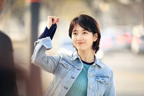 Happy birthday to the lovely beautiful talented bae suzy