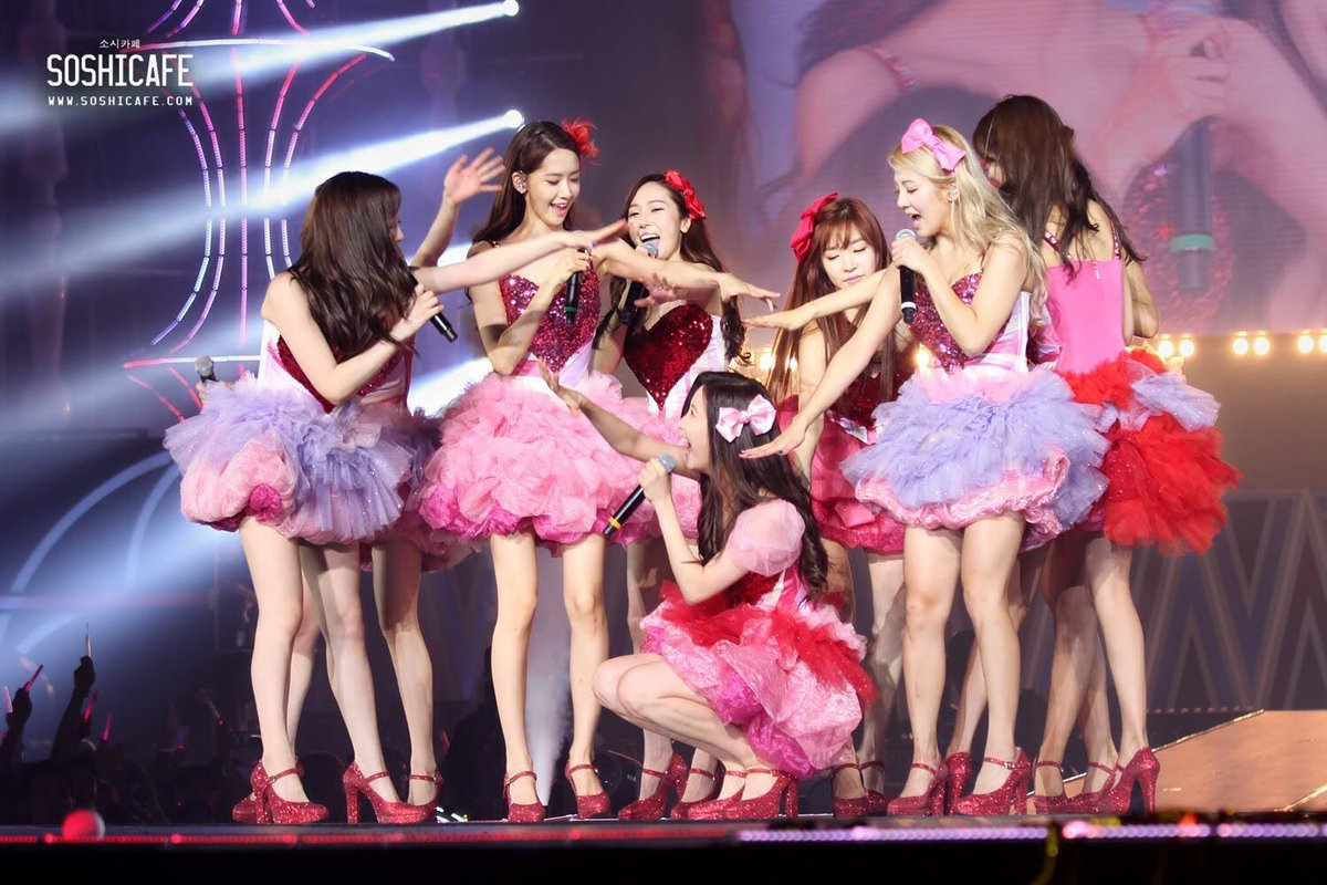 Forever the nation&#39;s number 1girl group   #SNSD #SNSD4EVER<br>http://pic.twitter.com/xnMUmxnNch