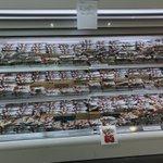 発注ミスのトラブル?生鮮食品コーナーがチョコモナカジャンボだらけのスーパー!