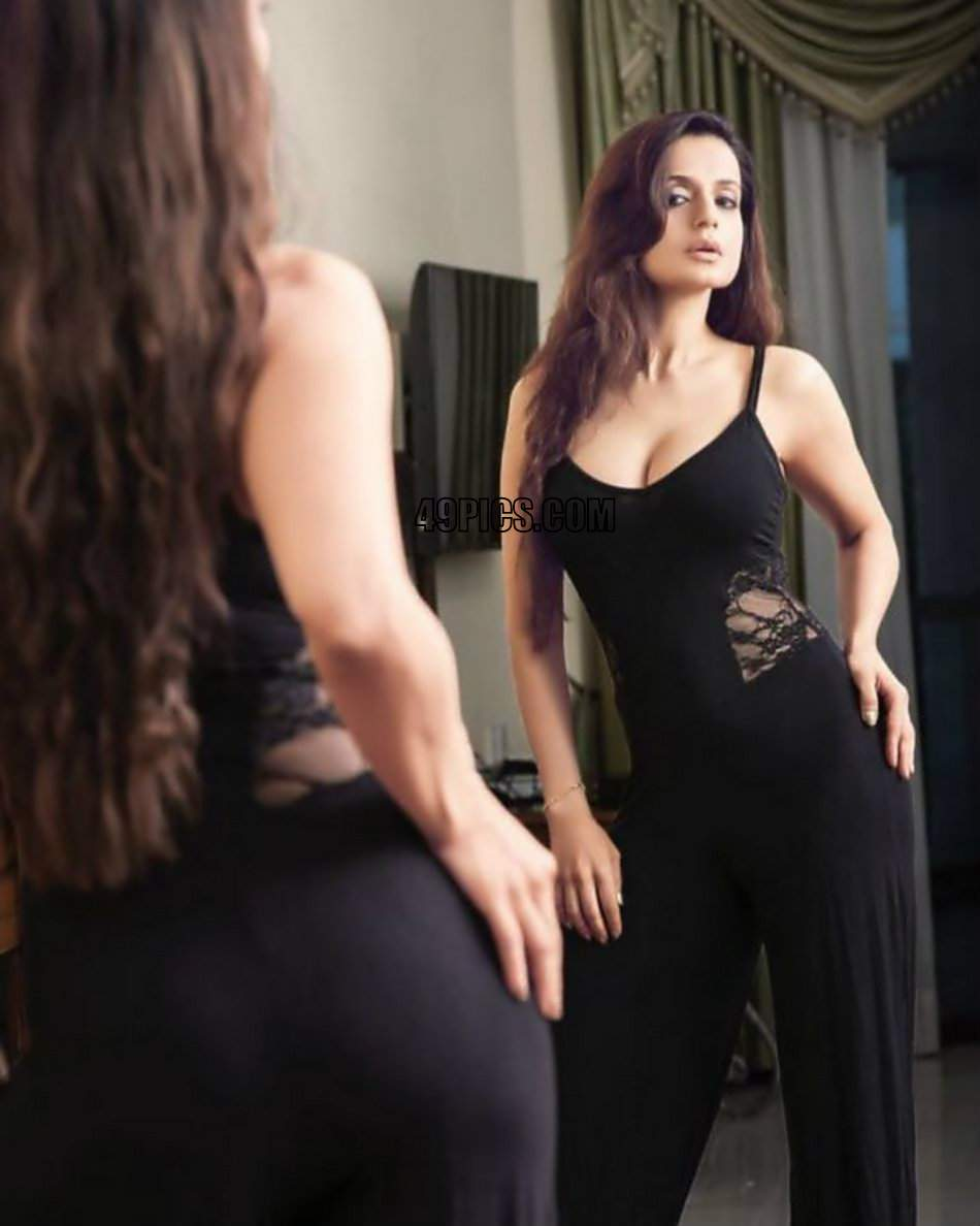 """Ameesha Patel Hot Videos 49pics on twitter: """"ameesha patel recently shared hot hd"""
