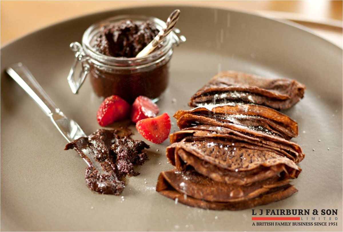 Treat someone to a yummy #breakfast for #NationalChocolateWeek and whip up @ChefRachelGreen chocolate pancakes with Fairburns eggs! #BritishEggWeek #chocolate  http:// bit.ly/2yDi9xq  &nbsp;  <br>http://pic.twitter.com/6TcHqdH8DR