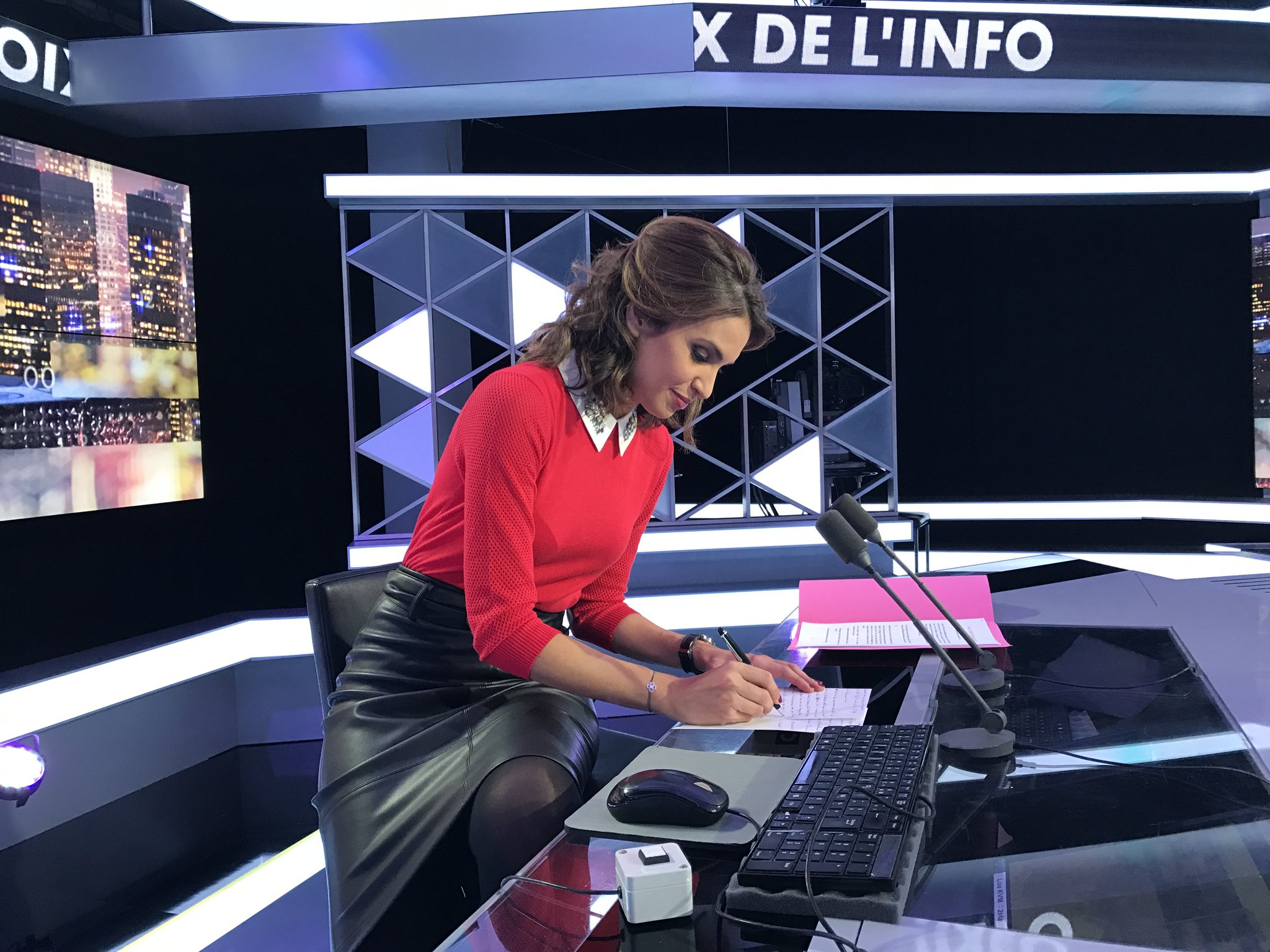 Mabrouk sonia on twitter pr paration avant le direct 17 19h lesvoixdelinfo cnews sur - Sonia mabrouk son mari ...