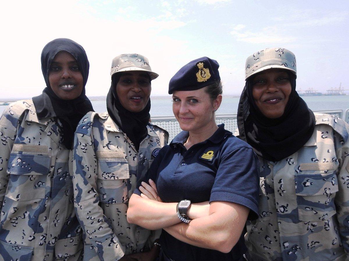 ... pagina ufficiale di Twitter della Marina Militare Italiana) 4653f1598d52