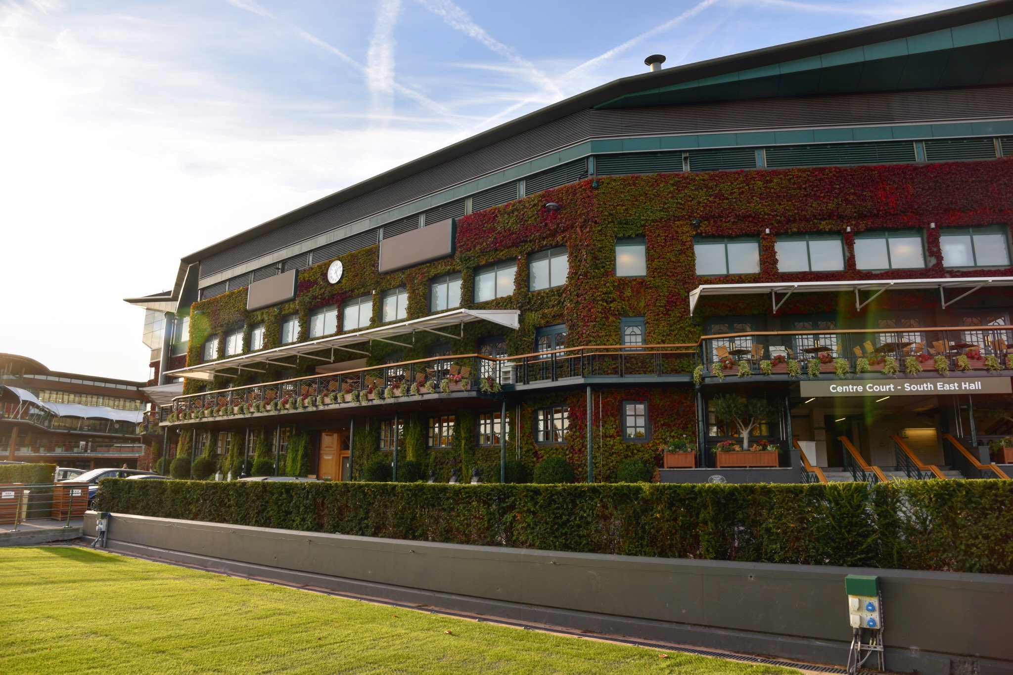 Autumn afternoons at #Wimbledon �� https://t.co/si5Y2WZrbM