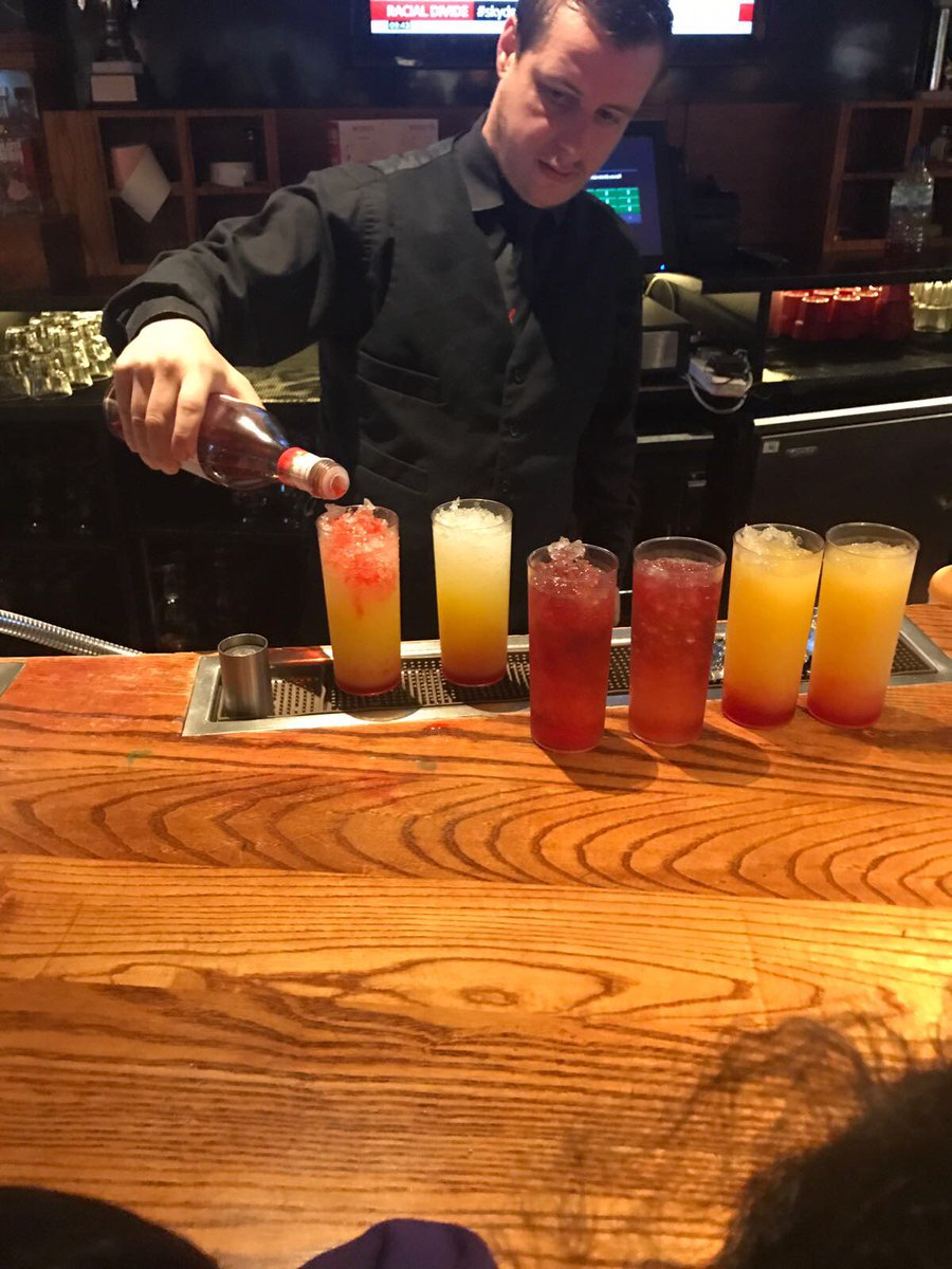 Mocktail making and tasting @frankienbennys - Apple Twilight Fruity Sunset &amp; Tutti Sunset. Which will you choose? #tauheedul #ambition <br>http://pic.twitter.com/QR0mVV5lDU