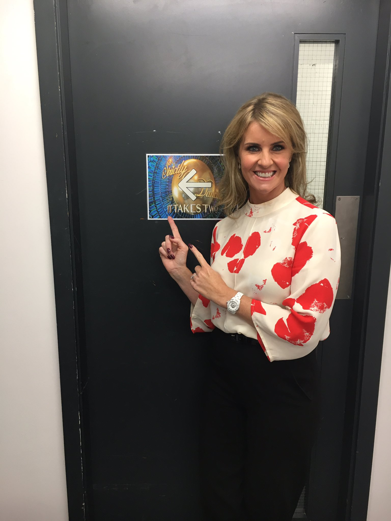 Watch me tonight on #ItTakesTwo at 6.30pm with @ZoeTheBall https://t.co/RJE76nsO5H