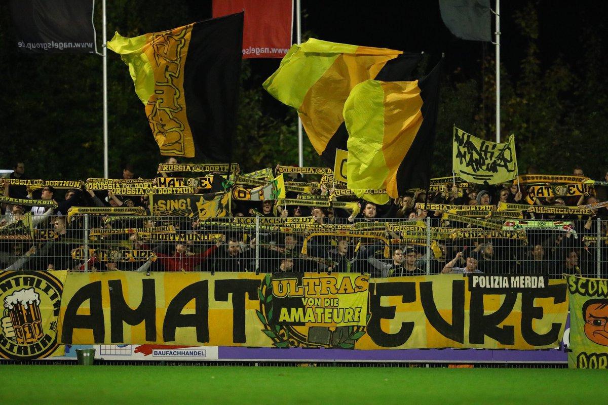 #Borussia #Dortmund ultras supporting their reserve team in the Regionalliga (IV) this evening. #BVB  [ @schwatzgelbde]<br>http://pic.twitter.com/6Xf4GpZC5h
