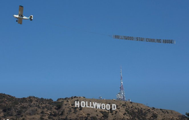 Activists flew this banner over the Hollywood sign today. https://t.co/CXrAl3FlX6