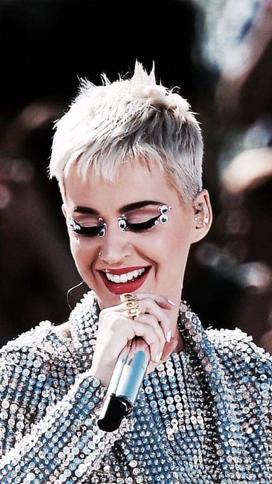Happy Birthday Katy Perry  I love you so much, you are my queen.