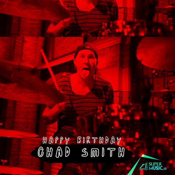1961: Penabuh drum rayakan hari jadi ke-56 tahun. Happy Birthday, Chad Smith!