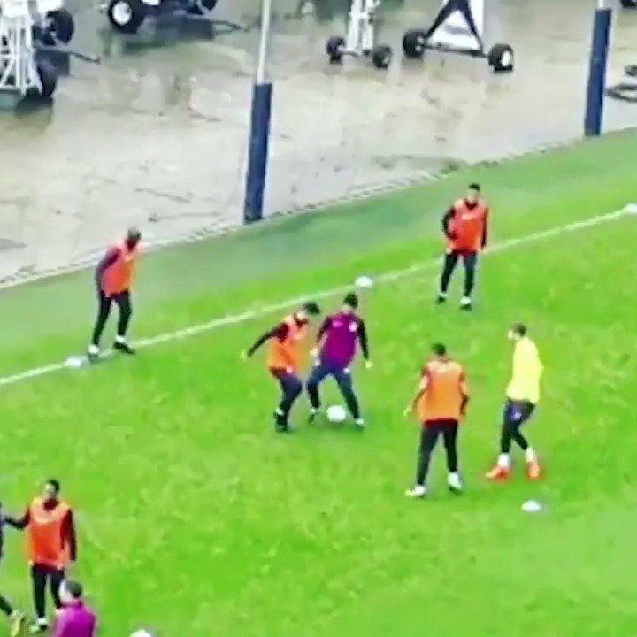 😂❌ @aguerosergiokun showing no respect to coach, Mikel Arteta!  #ManCity https://t.co/WjBIIVVdQc
