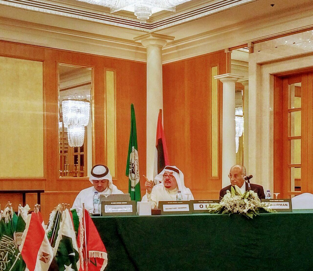 @TrevorTMS_rocks MD, The Maritime Standard with @amirmosadeghi CEO, Islamic P&I Club & Ralph Becker, Head of Business Development at OISA Annual Meeting in #Dubaj pic.twitter.com/QRkbuuWqW6