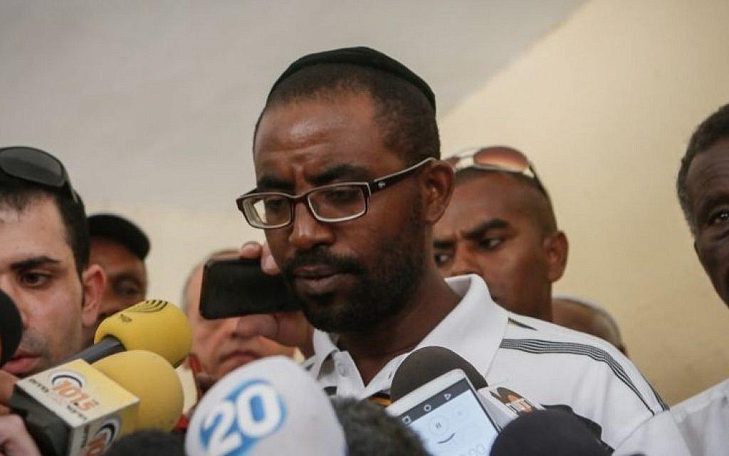 Brother of Israeli held in Gaza says world needs to press Hamas timesofisrael.com/brother-of-isr…