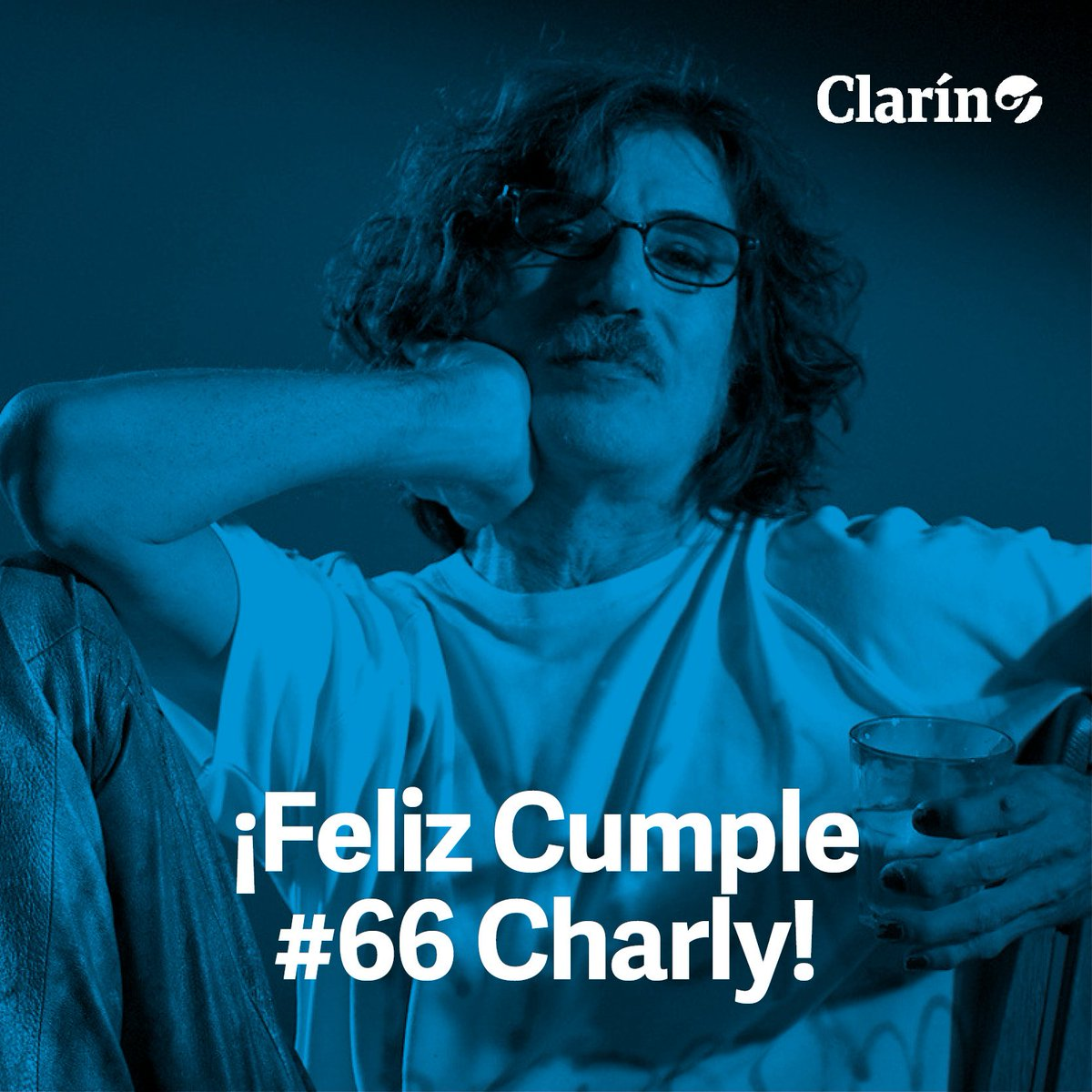 #CharlyGarcía cumple hoy 66 años  🎂 ¿Qué mensaje le dejarías? https://...