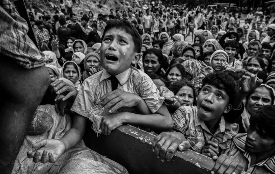 In pictures: Rohingya Muslims flee from what the United Nations calls a 'textbook example of ethnic cleansing' https://t.co/lrH7ln1u4c
