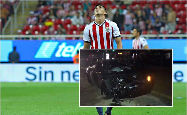 Alan Pulido involucrado en accidente automovilístico https://t.co/sMNc...