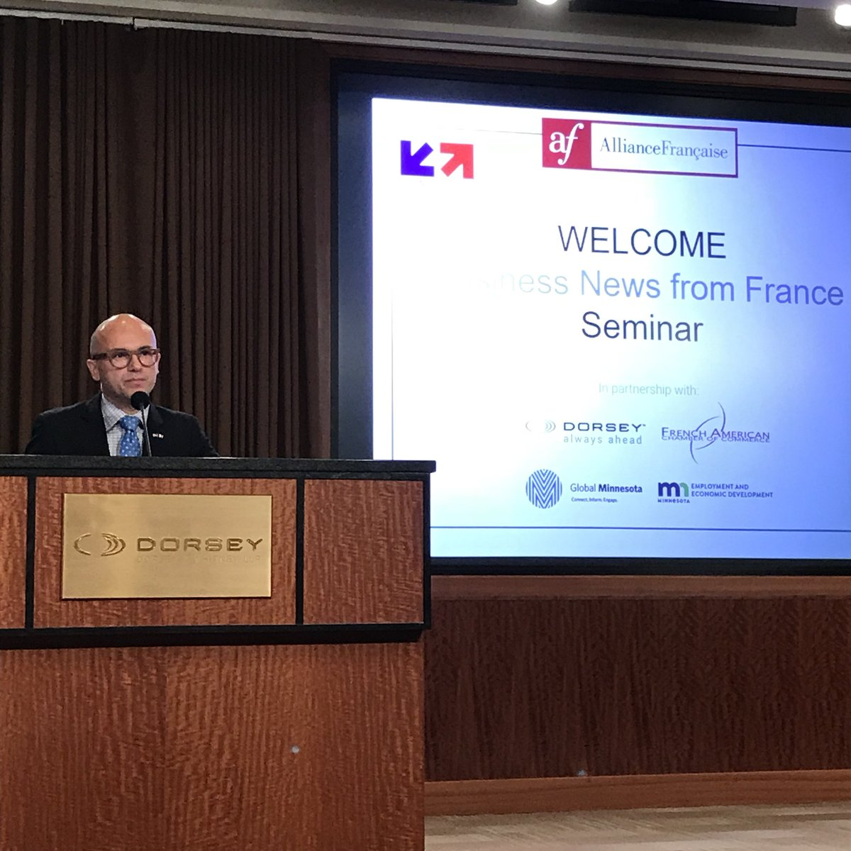 Consul Général Lacroix is welcomed to #Minnesota with a breakfast seminar focusing on #French #business news.<br>http://pic.twitter.com/FAKgZIEsrA