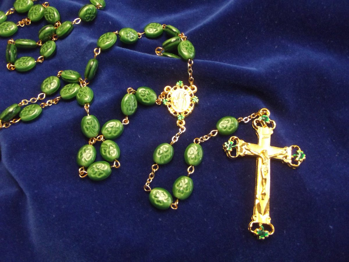 St. Patrick Catholic Rosary with Opaque Green Shamrocks  http:// tuppu.net/ea6920a6  &nbsp;   #PennysRosaries #FathersDay <br>http://pic.twitter.com/pQdf1myT3T