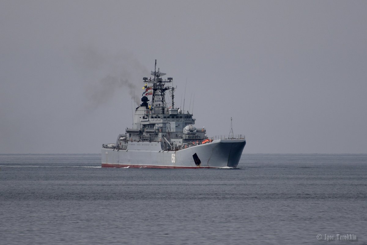 #ВМФ #ЧФ#Russian #Navy LST &#39;Yamal&#39; Ropusha class returned to #Sevastopol after regular #Syria deployment. Today October23,2017 at 10:00Z <br>http://pic.twitter.com/jkJbAsR8Ha